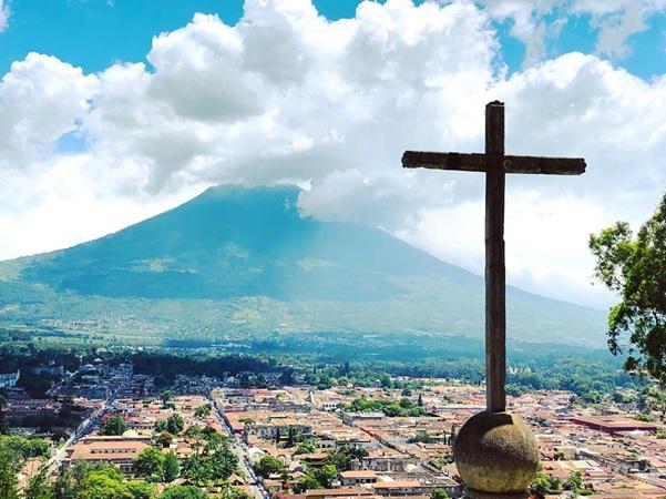 Hike to the Cerro de la Cruz